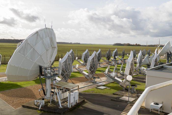 Sende- und Empfangsantenne Erdfunkstelle Rambouillet (südwestlich Paris) von Eutelsat