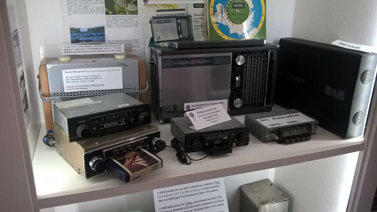 Radiomuseum DK Ringsted - Autoradios mit 8-Track